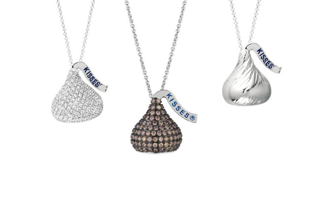 The hershey 39 s kisses collection west hartford for Jewelry stores in hartford ct